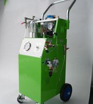 カーエアコン修理で最も大切な作業「サイクル洗浄」